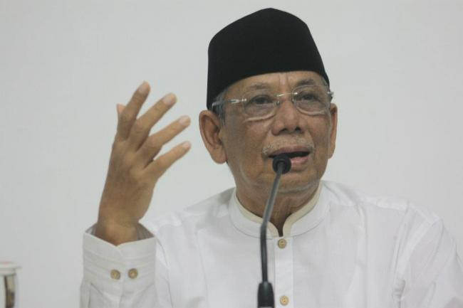 Kekuatan (Energi) Al-Quran Dan Politisasi [KH. Ahmad Hasyim Muzadi]