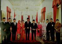 KH. Hasyim Muzadi Dianugerahi Bintang Mahaputera Adipradana